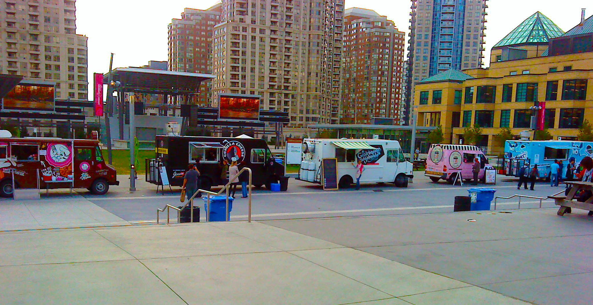 Mississauga Celebration Square Food Trucks